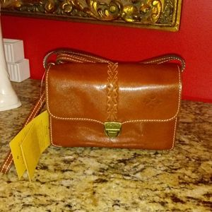 0221 Patricia Nash Bianco Leather Purse